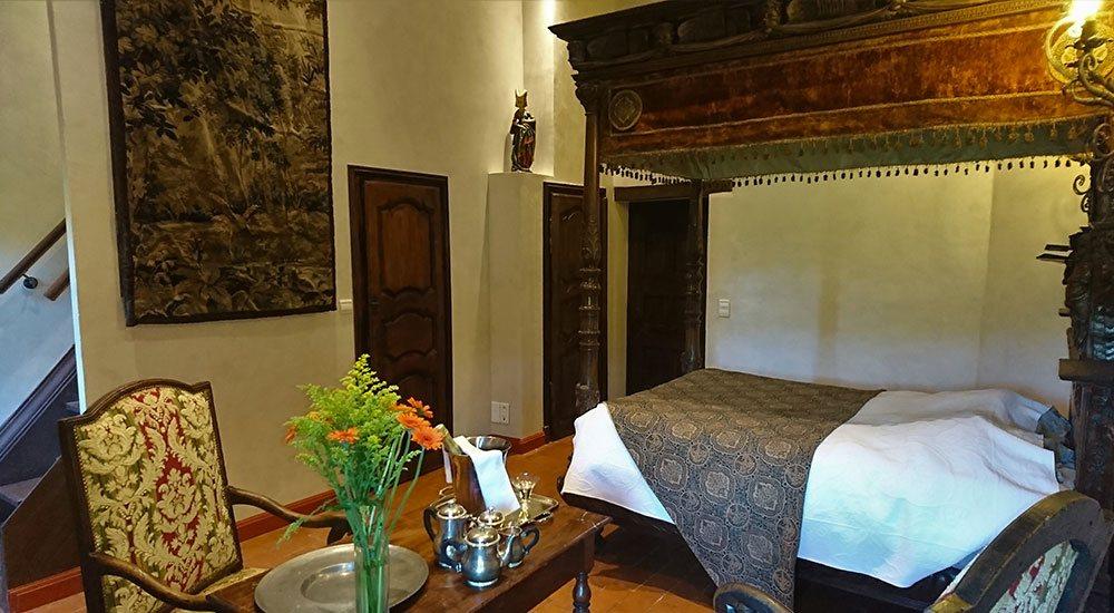 la chambre d 39 h tes margot i suite de luxe au ch teau de la servayrie. Black Bedroom Furniture Sets. Home Design Ideas